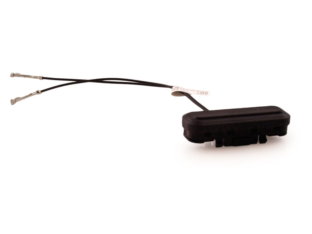 Stycznik (przycisk) klapy bagażnika Insignia / Meriva B