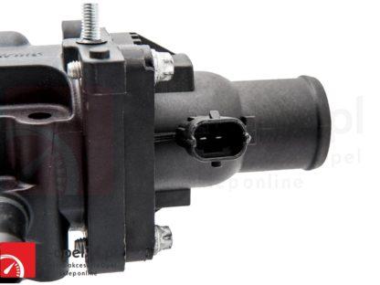 Termostat z obudową czujnikiem oraz uszczelką do silników 1.6 1.8 Opel Astra J Insignia Mokka Zafira C 1338372 / 55587349