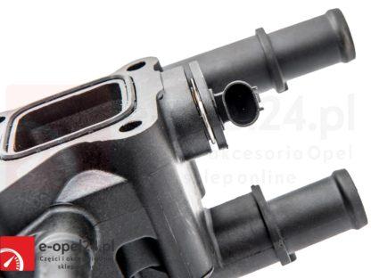 Kompletny termostat z obudową uszczelką oraz czujnikiem do silników 1.6 1.8 Opel Astra J Insignia Mokka Zafira C 1338372 / 55587349